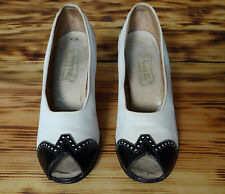 30s Vintage Shoes White and Black Patent leather Spectators Size 4