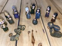 Vintage Small Mexican Christmas Nativity 14 Pieces Hand Painted Gold Accent
