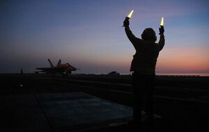 """F-18 Hornet Aircraft Carrier USS Carl Vinson 13""""x 19"""" Iraq War Photo Poster 44"""