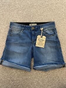 Democracy Shorts, Size 10