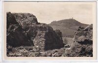 Ansichtskarte Oybin - An der Felsengasse mit dem Hochwald - schwarz/weiß