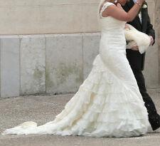 Pronovias Wedding Dress. Latina style. Size 14. Perfect conditions.Ivory mermaid