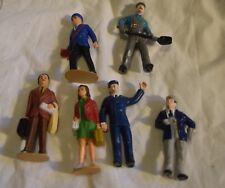 TK-057 Grouping of Six Model Railroad People Figurines O-Gauge? Plastic
