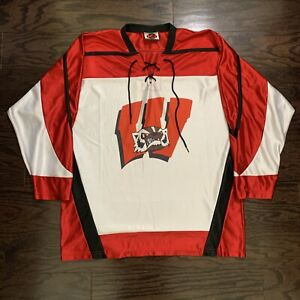 Vintage Wisconsin Badgers NCAA Ice Hockey Jersey Mens Size Large Red White K1