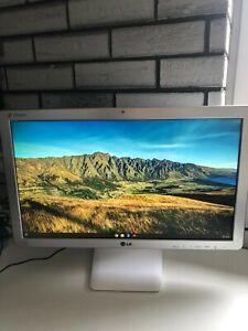 "LG Chromebase 22CV241-W 22 "" All-in-One Dual-Core Intel guter Zustand 100% i.O."