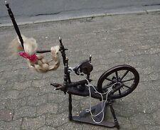 altes Spinnrad, Alters-u. Gebrauchsspuren, H-90 cm    (262-11109)