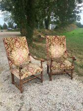 2 Beaux fauteuils du 19ème style Louis XIII en noyer et en bon état ,
