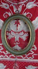 ancien cadre pour miniature ou porte photo bronze & tissus XIXe ovale medaillon