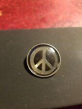 Peace Symbol pin badge cnd