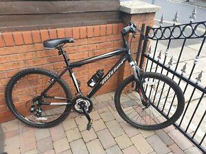Mens Claude Butler Alloy Mountain Bike.