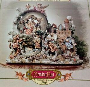 Grandeur Noel Collector's Edition Musical Animated WaterGlobe Nativity Set 2000