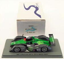 Voitures des 24 heures du mans de courses miniatures verts Spark