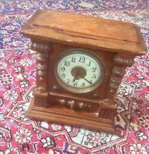 Antigua victoriana Antique Victorian hac Hamburgo American Mantel Clock, Tallado Detalles, restauración