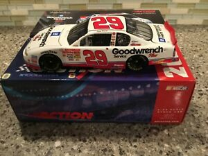 Action 2001 Chevrolet Monte Carlo #29 Kevin Harvick GM Goodwrench 1:24 Diecast