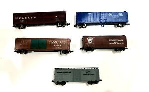 n scale model train ATLAS box car freight carriages. 5 in total Lot 2