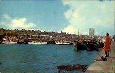 Buckie Scotland postcard 1976 the Harbour Partie am Hafen Schiffe Frau am Pier