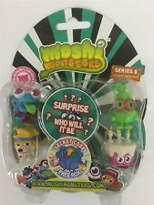 Moshi Monsters Series 8 Blister Pack [Contains 5 Random Figures][Figures Differ]
