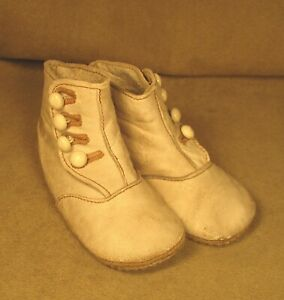 Vintage White Leather Baby Shoes - 4 Buttons High