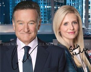 ROBIN WILLIAMS AND SARAH MICHELLE GELLAR SIGNED 8x10 RP PHOTO THE CRAZY ONES