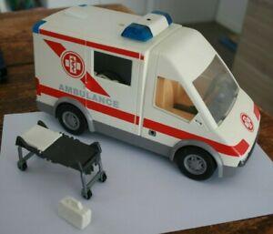 Véhicule Ambulance Playmobil ( a remettre en état )