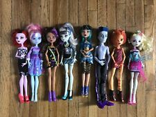 Monster High 8 Doll Lot. SLO Mo, Lagoona , Cleo , Clawdeen, Toralei