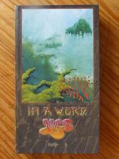 """COFFRET YES """"IN A WORD"""" DIGIPACK  5 CD + LIVRET 96 PAGES , TRES BON ETAT"""