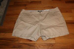 NWT  NEW Natural Reflections Women's khaki Cotton Shorts Size 18 W