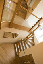 Oak staircase bespoke made to mesure, (price for one tread and riser)