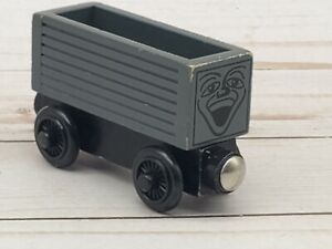 Thomas The Train Wooden Railway Magnetic Troublesome Truck 2001