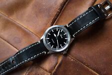 Sinn 556i Automatic Watch,Date,Saphire Crystal,Screw Crown, Waterproof-200m