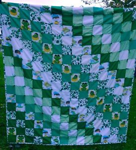 """Vintage 1960's Hand Made Quilt 62"""" x 82"""" Frogs Green Cabin Kids Lodge"""