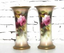 Royal Worcester dipinto a mano rose Tall TROMBA VASI IN COPPIA C1917 [PL4150]