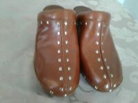 """Michael Kors Lt Brown Womens 6.5 M Leather Studded Clogs Shoes 2"""" Mule"""