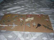 Lot of 16 Bachman airplanes plus 2 Tomy airplanes
