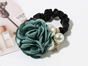 2Pcs Women Camellia Flower Pearl Elastic Hair Ties Bands Scrunchie Ponytail Hold