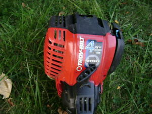 TROY BUILT 4 CYCLE STRING TRIMMER W/BRUSH CUTTER HEAD