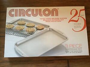 NEW Circulon 3 piece Bakeware Set