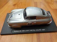 1/43 DEAGOSTINI CLASSIC 1951 PORSCHE 356 LIGHT METAL COUPE MODEL CAR ON STAND
