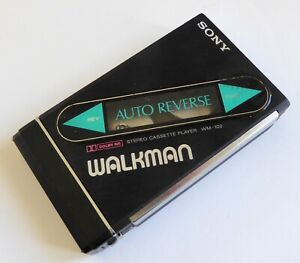 SONY WALKMAN WM102 STEREO CASSETTE PLAYER WITH AUTO REVERSE