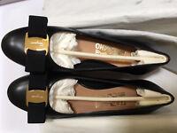 $600 Salvatore Ferragamo Vara Bow Pump Black/Gold Leather NIB 5 6.5 7 9 10B