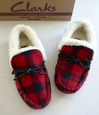 CLARKS WOMENS INDOOR/OUTDOOR RED CHECK SLIPPERS SIZE US 6M