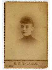 ANTIQUE CAB PHOTO OF A LADY W/ CURLY BANGS FROM ELGIN, ILLINOIS, STUDIO