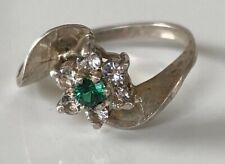 UNUSUAL MODERNIST VINTAGE STERLING SILVER EMERALD GREEN COLOURED STONE RING
