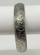 Women's Bangle Bracelet Textured Floral Silver Tone Fashion Jewelry Unbranded