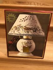 Lenox ETCHING Winter Greetings Everyday Candle Lamp BERRYS, Pine cones , Flowers