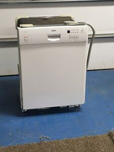 BOSCH DISHWASHER SHU43C02UC WHITE
