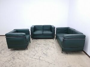Le Corbusier Sitzgruppe. Designersofa, Ledersofa  mit Sessel