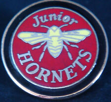 WATFORD AFC JUNIOR HORNETS Badge Maker REEVES B'ham Brooch pin In gilt 26mm Dia