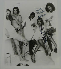 BUFFY THE VAMPIRE SLAYER : SIGNED PHOTOGRAPH WITH 4 AUTOGRAPHS.         REF: C83