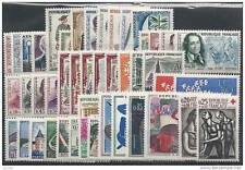 ANNEE COMPLETE NEUVE XX 1961 TIMBRES LUXE